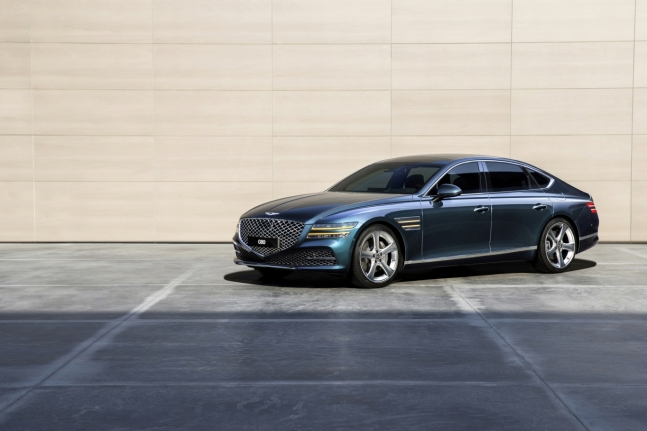자동차 기자들이 뽑은 '올해의 차'는 '제네시스 G80'